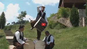 Film 'Social dance from village of Dramche, Delchevo, Pijanec region' © Anastasov Kircho, 2014